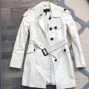 BCBG White trench coat with belt